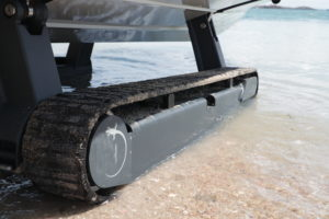 Close up on the tracks of our amphibious boats