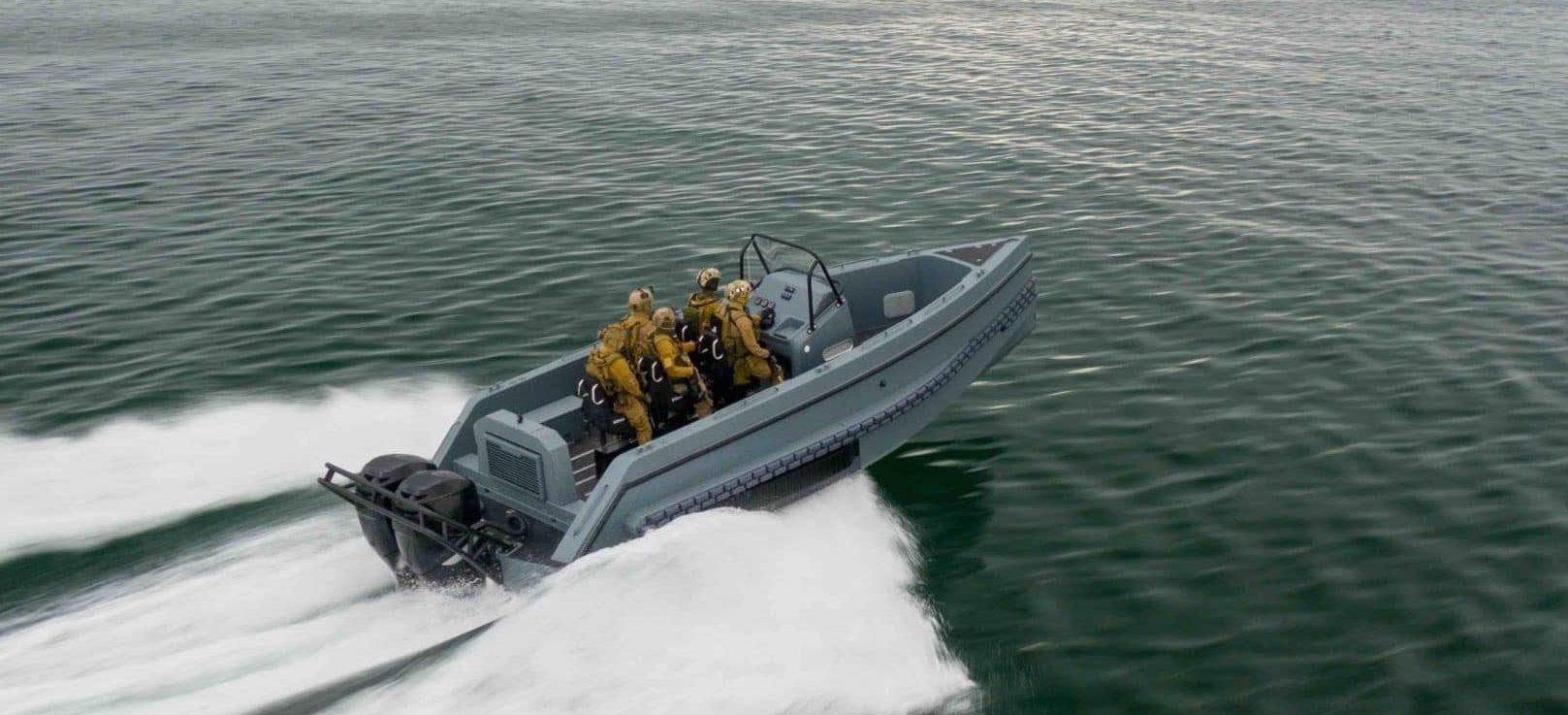 Iguana Pro Interceptor running at sea